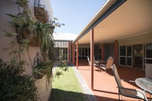Regis Aged Care Facilities Toowoomba - Regis Gatton courtyard