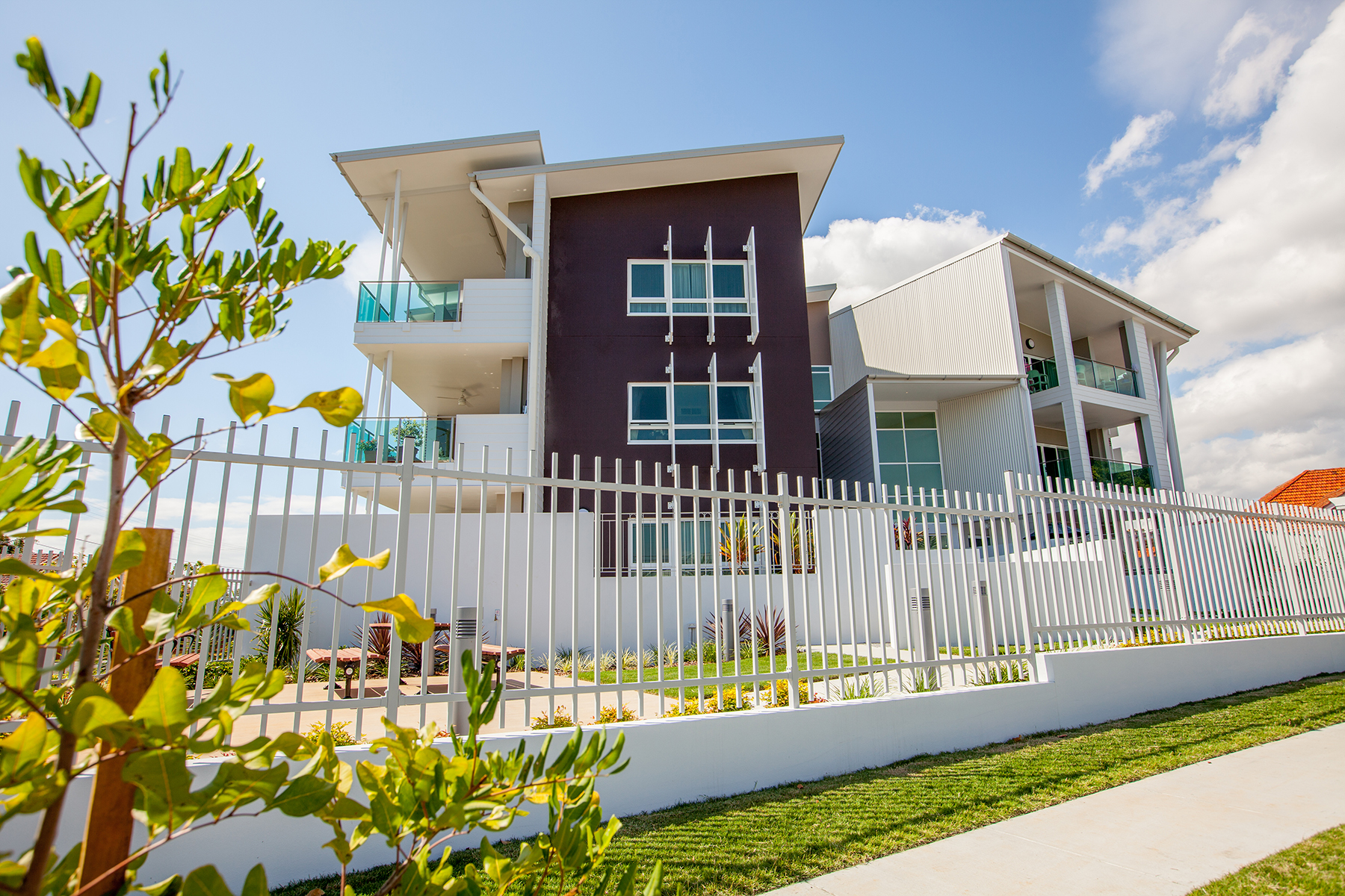 retirement village Retireaustralia owns and operates 27 retirement villages across queensland, new south wales and south australia to promote independent retirement living.