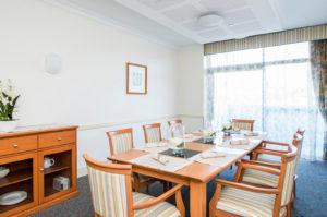 Regis Sandgate Lucinda - Dining Area